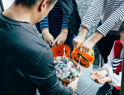 Safe ways to hand out candy during Halloween this year